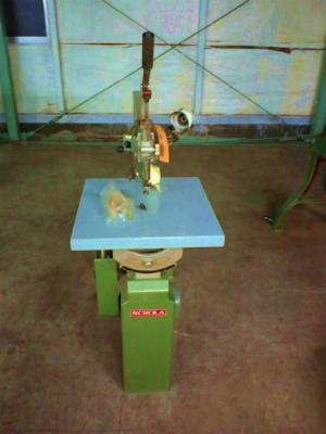 旭工機 糸鋸盤