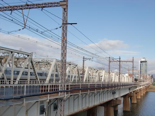 上淀川橋梁で日本海01