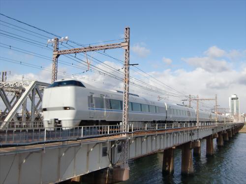 上淀川橋梁で日本海05
