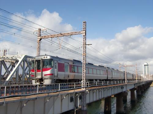 上淀川橋梁で日本海08