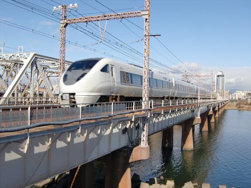 上淀川橋梁で日本海09