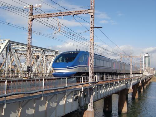 上淀川橋梁で日本海11