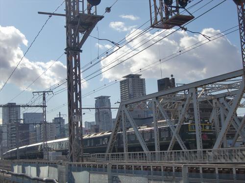 上淀川橋梁で日本海14