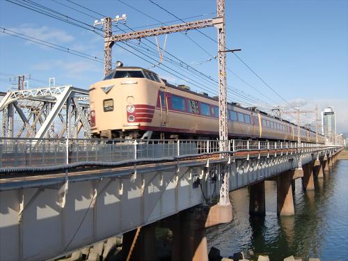 上淀川橋梁で日本海15