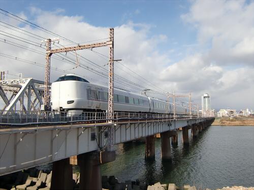 上淀川橋梁で日本海16