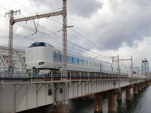 上淀川橋梁で日本海17