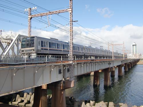 上淀川橋梁で日本海24
