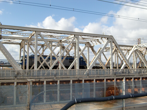 上淀川橋梁で日本海33