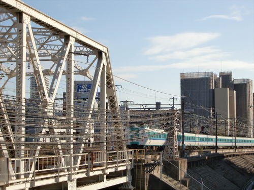 上淀川橋梁で日本海35