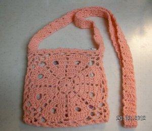 花モチーフのバッグ