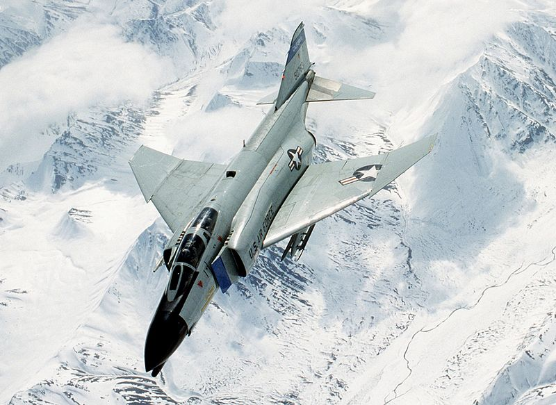 800px-F-4D_194th_FS_California_ANG_in_flight_1987.jpeg