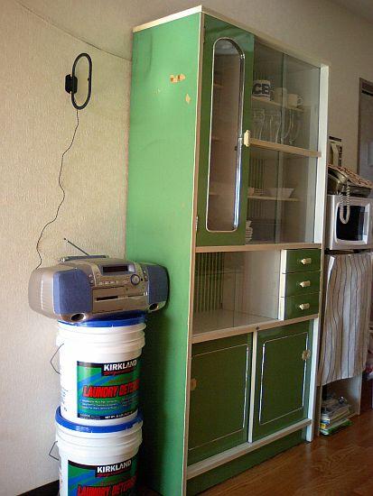 古い食器棚、