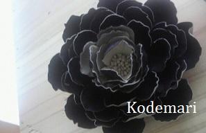 ブラックの布花コサージュ