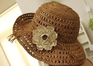 布花と麦わら帽子
