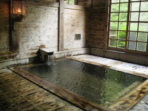健六の湯 ランプの宿 青荷温泉