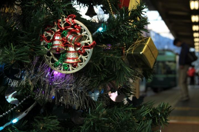 12.12.08 駅にもクリスマス