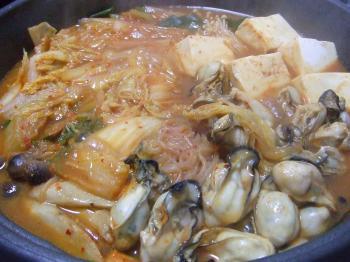 牡蠣の土手辛鍋