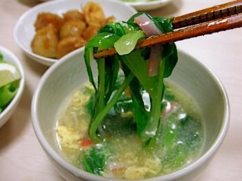 チンゲン菜の麺風スープ