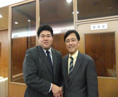 2010浅沼集会_保坂さんと