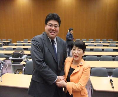 2010浅沼集会_福島党首と