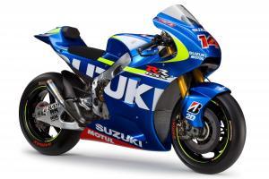 2015-Suzuki-GSX-RR-MotoGP-race-bike-02_convert_20141003145327.jpg