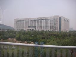 済南市政府の庁舎のようです。