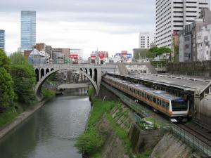 中央線と聖橋_convert_20110302211230