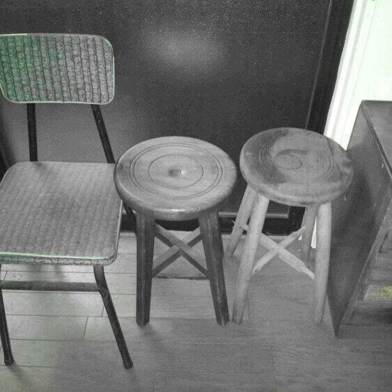 しろくろ椅子