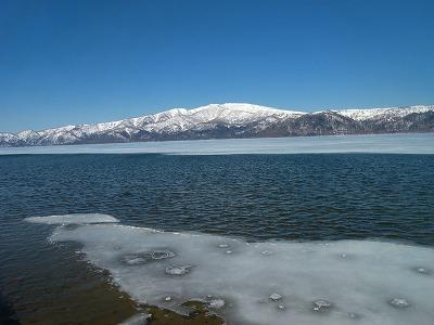 4月12日の屈斜路湖