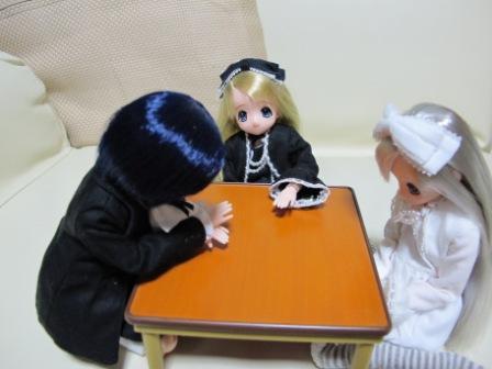 ひみちゅの会議中