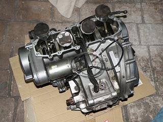ZZR400482.jpg