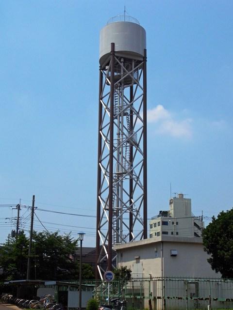 東京都営保木間第5アパートの給水塔
