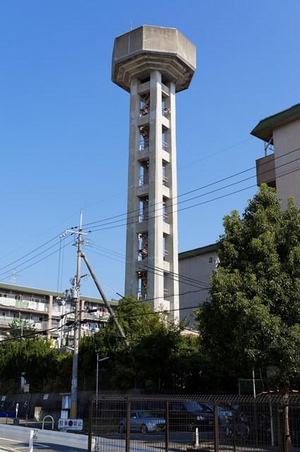 奈良県営平城団地の給水塔