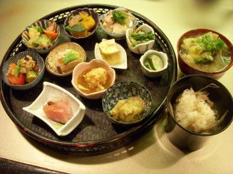 播磨屋 龍泉堂(菜摘み膳¥1000)