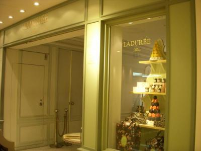 LADUREE Salon de the 三越銀座店(外観)