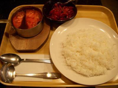 ガンジー(トマトとチーズのカレー¥950)