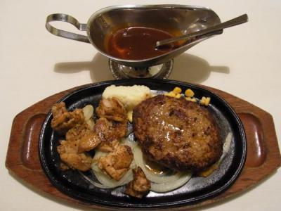 ヒーローズキッチン(鶏モモ肉のハーブ焼き コンボ(デミグラスソース)¥1080)