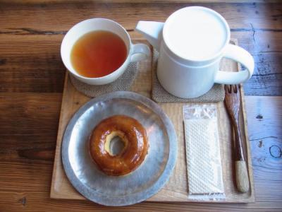 COCO DONUT(こがし砂糖¥360・紅茶ダージリン¥750)