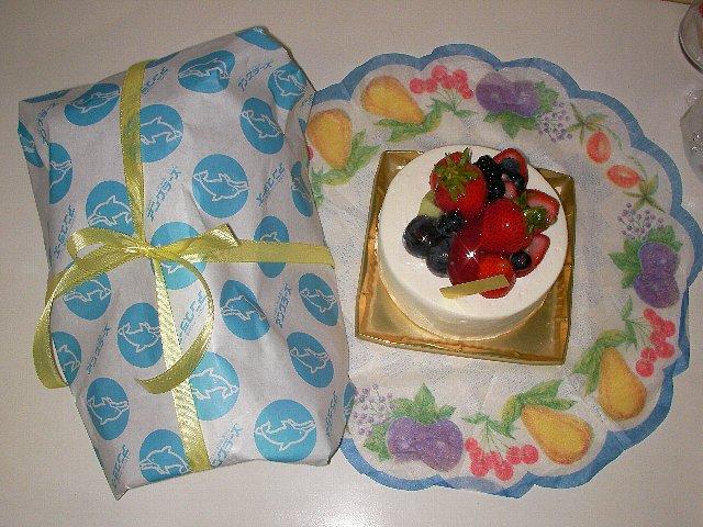 ケーキプレゼント