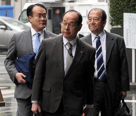 村本道夫弁護士、大室俊三弁護士、山本健一弁護士、この3名の名前は