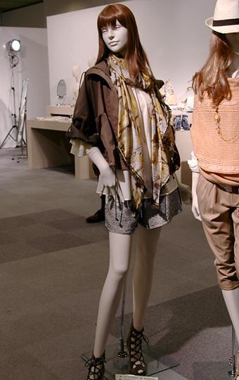 Stola.(ストラ)通販:Stola.(ストラ)2011春物:Stola.(ストラ)2011春物展示会写真