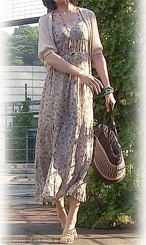 LOUNIE(ルーニィ)通販:LOUNIE(ルーニィ)2010春夏物:コーディネート日記◇LOUNIEマキシワンピ初おろし♪×夏物ボレロカーデ!思い切ってマキシを仕事に着て行ってみました♪^^