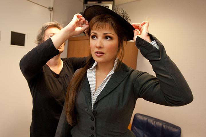 Royal-Opera-perform-Manon-005.jpg