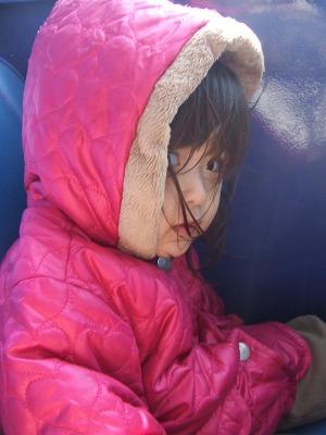 s-上着を着た娘20111113