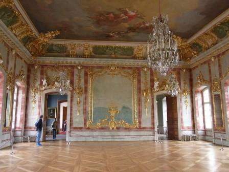 ルンダーレ宮殿 広間