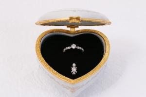 サプライズ指輪-1