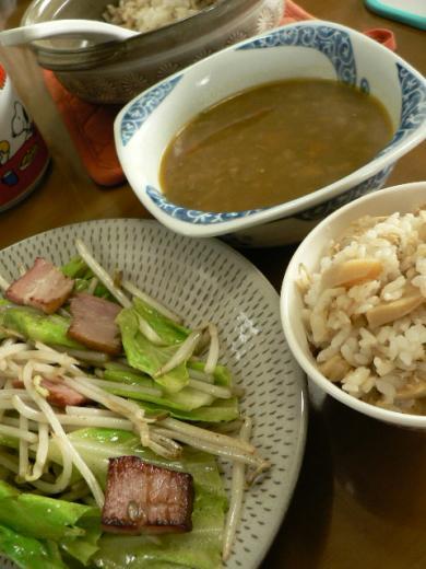 昼ごはんで筍ご飯&ベーコン炒め