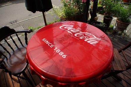 コカコーラの赤。