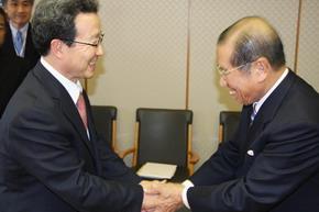 程永華駐日大使 福地茂雄NHK会長を表敬訪問