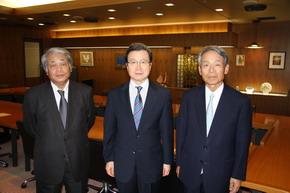 程永華駐日大使 井上弘TBSテレビ会長を表敬訪問